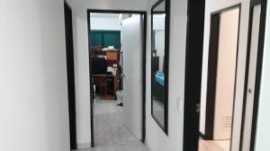 Apartamento En Venta En Caracas - Parroquia La Candelaria Código FLEX: 19-8738 No.11
