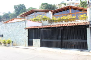 Casa En Venta En Caracas En Prados del Este - Código: 19-8761