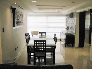 Apartamento En Venta En Maracay - Base Aragua Código FLEX: 19-8785 No.2