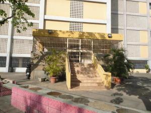 Apartamento En Venta En Maracay - Avenida 19 de Abril Código FLEX: 19-8810 No.1