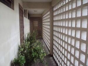 Apartamento En Venta En Maracay - Avenida 19 de Abril Código FLEX: 19-8810 No.2