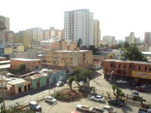 Apartamento En Venta En Maracay - Avenida 19 de Abril Código FLEX: 19-8810 No.9