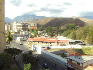 Apartamento En Venta En Maracay - Avenida 19 de Abril Código FLEX: 19-8810 No.10