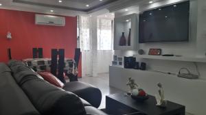Apartamento En Venta En Maracay - San Jacinto Código FLEX: 19-8845 No.2