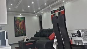 Apartamento En Venta En Maracay - San Jacinto Código FLEX: 19-8845 No.3