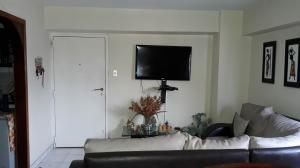 Apartamento En Venta En Caracas - Parroquia La Candelaria Código FLEX: 19-8877 No.2