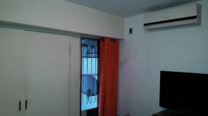 Apartamento En Venta En Caracas - Parroquia La Candelaria Código FLEX: 19-8877 No.14