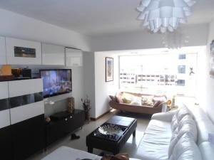 Apartamento En Venta En Caracas - El Rosal Código FLEX: 19-8887 No.5