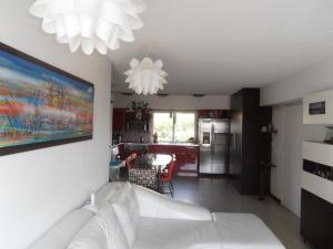 Apartamento En Venta En Caracas - El Rosal Código FLEX: 19-8887 No.10