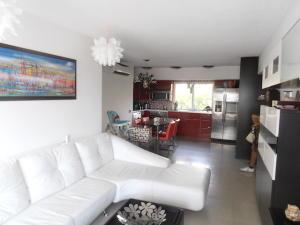 Apartamento En Venta En Caracas - El Rosal Código FLEX: 19-8887 No.11