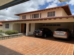 Casa En Venta En Caracas - Los Naranjos del Cafetal Código FLEX: 19-8979 No.1