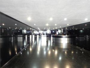 En Alquiler En Caracas - Bello Monte Código FLEX: 19-9374 No.1