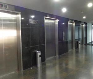 En Alquiler En Caracas - Bello Monte Código FLEX: 19-9374 No.2