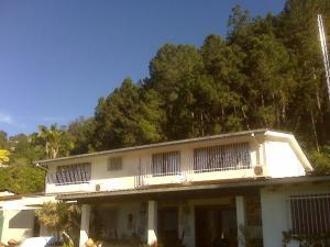Casa En Venta En Caracas En Alto Hatillo - Código: 19-9375