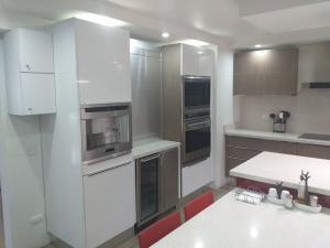 Apartamento En Venta En Caracas - Santa Eduvigis Código FLEX: 19-9309 No.8