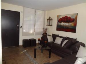 Casa En Venta En Guarenas - Nueva Casarapa Código FLEX: 19-9675 No.2