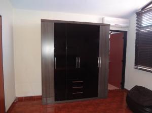 Casa En Venta En Guarenas - Nueva Casarapa Código FLEX: 19-9675 No.13