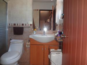 Casa En Venta En Guarenas - Nueva Casarapa Código FLEX: 19-9675 No.14