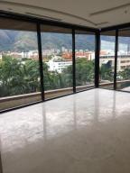 Local Comercial En Alquiler En Caracas En La Castellana - Código: 19-9743