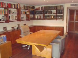 Apartamento En Venta En Caracas En Los Chorros - Código: 19-9788