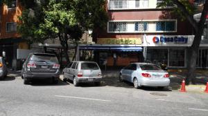 En Venta En Caracas - Colinas de Bello Monte Código FLEX: 19-10042 No.0