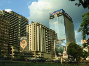 Oficina En Alquiler En Caracas - El Recreo Código FLEX: 19-9895 No.0