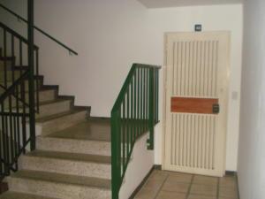 Apartamento En Venta En Caracas - Prados del Este Código FLEX: 19-9928 No.4