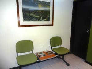 Oficina En Venta En Caracas En La Castellana - Código: 19-9977