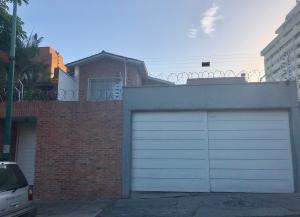 Casa En Venta En Caracas - La Castellana Código FLEX: 19-9799 No.0