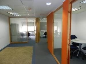 Oficina En Alquiler En Caracas - Chacao Código FLEX: 19-10047 No.2