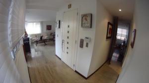 Apartamento En Venta En Caracas - Campo Alegre Código FLEX: 19-10055 No.1