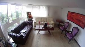 Apartamento En Venta En Caracas - Campo Alegre Código FLEX: 19-10055 No.2