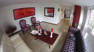 Apartamento En Venta En Caracas - Campo Alegre Código FLEX: 19-10055 No.3