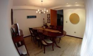 Apartamento En Venta En Caracas - Campo Alegre Código FLEX: 19-10055 No.4