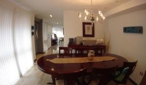 Apartamento En Venta En Caracas - Campo Alegre Código FLEX: 19-10055 No.5