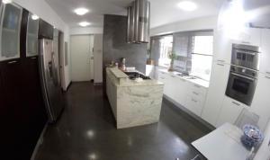 Apartamento En Venta En Caracas - Campo Alegre Código FLEX: 19-10055 No.6