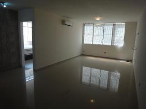 Apartamento En Venta En Caracas - Colinas de Bello Monte Código FLEX: 19-8235 No.6