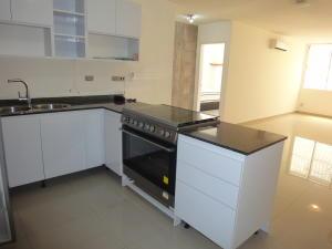 Apartamento En Venta En Caracas - Colinas de Bello Monte Código FLEX: 19-8235 No.4