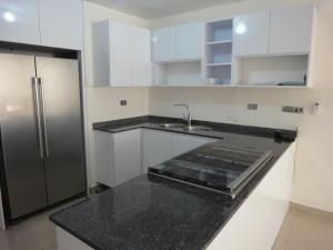 Apartamento En Venta En Caracas - Colinas de Bello Monte Código FLEX: 19-8235 No.3
