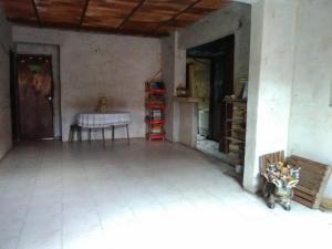 Casa En Venta En Maracay - La Cooperativa Código FLEX: 19-10203 No.1