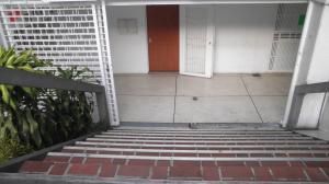 Local Comercial En Alquiler En Caracas - Chacao Código FLEX: 19-10433 No.1