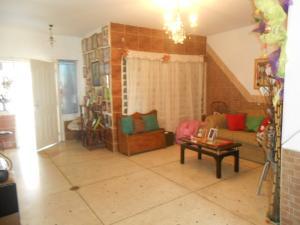 Casa En Venta En Maracay - Los Olivos Nuevos Código FLEX: 19-10452 No.3