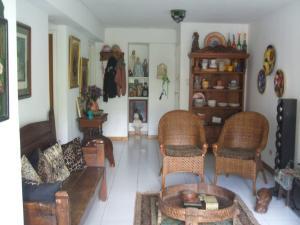 Apartamento En Venta En Caracas - Lomas del Avila Código FLEX: 19-10630 No.1