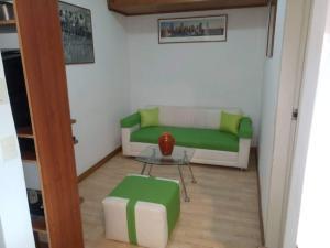 Anexo En Alquiler En Caracas - Altamira Código FLEX: 19-10903 No.3