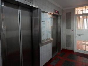 Apartamento En Venta En Caracas - Parroquia Altagracia Código FLEX: 19-10985 No.2