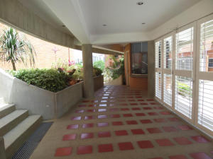 Apartamento En Venta En Caracas - Los Pomelos Código FLEX: 19-10968 No.2