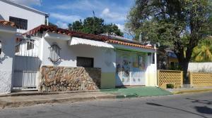 Casa En Venta En Maracay - El Toro de Las Delicias Código FLEX: 19-11077 No.0