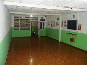 Casa En Venta En Maracay - El Toro de Las Delicias Código FLEX: 19-11077 No.2