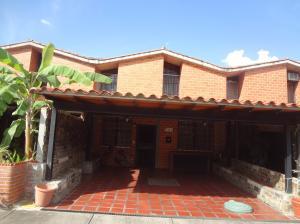 Townhouse En Venta En Guarenas - Nueva Casarapa Código FLEX: 19-11621 No.1