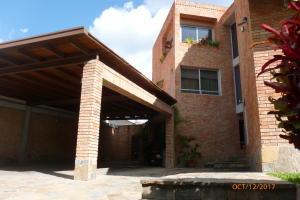 Casa En Venta En Caracas - Los Naranjos del Cafetal Código FLEX: 19-11243 No.2